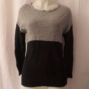 JOIE GRAY & BLACK SWEATER TOP SIZE L